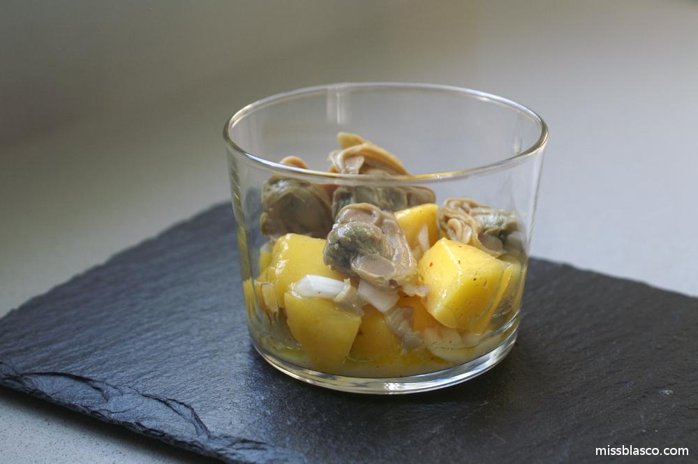 cocktail de mango y almejas