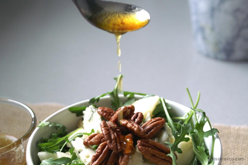 ensalada de pera y roquefort