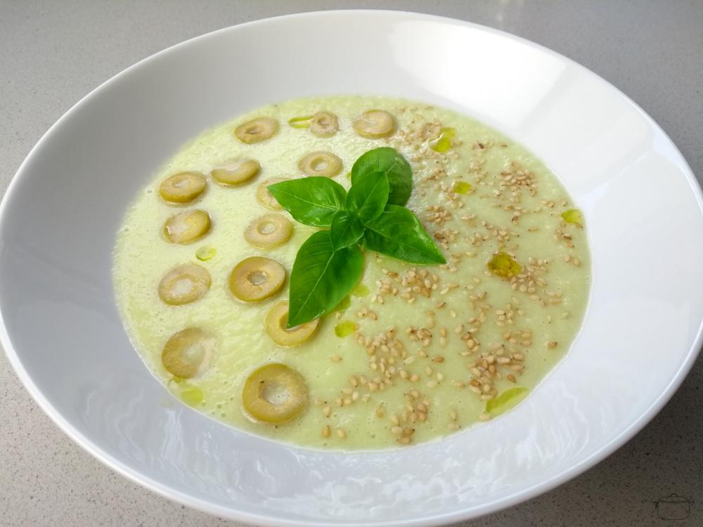 Sopa fría de pepino sin lácteos