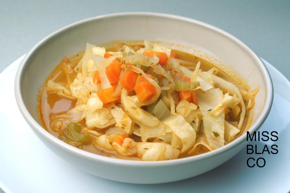 Sopa de col con especias
