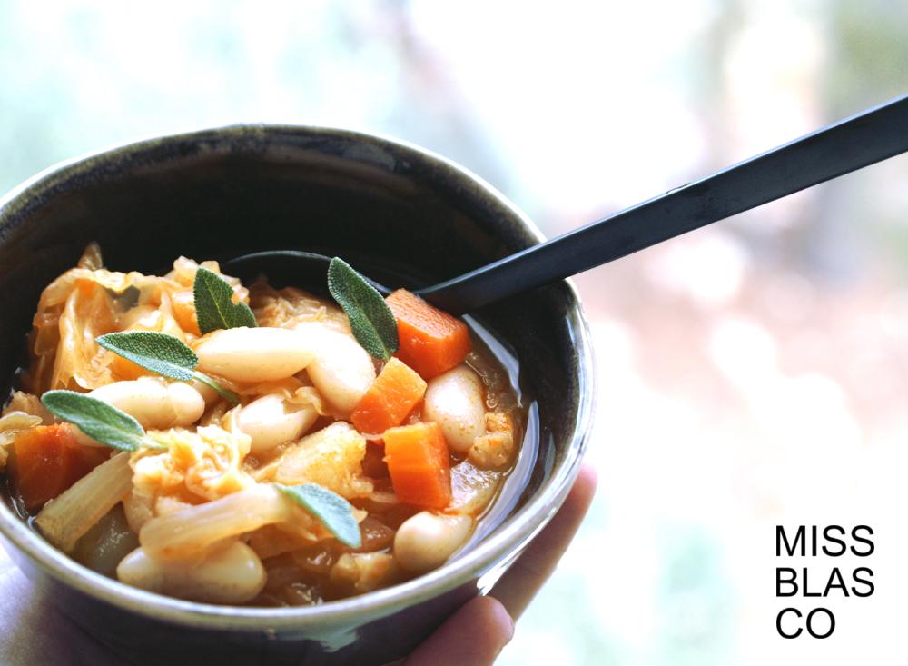 sopa de col y alubias