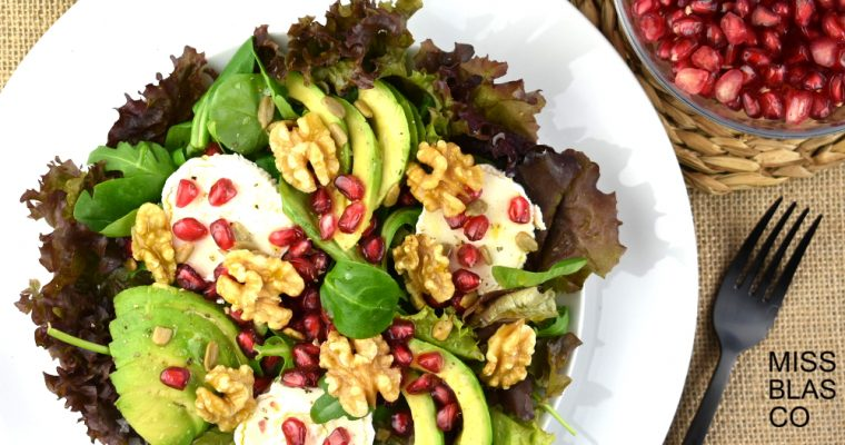 SALAD WITH POMEGRANATE AND GOAT CHEESE