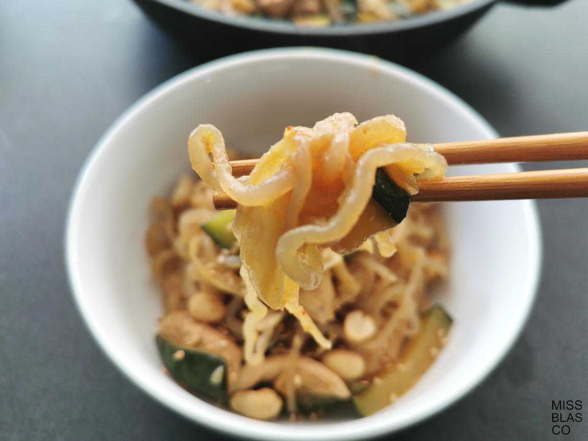 konjac spaghetti and chopsticks