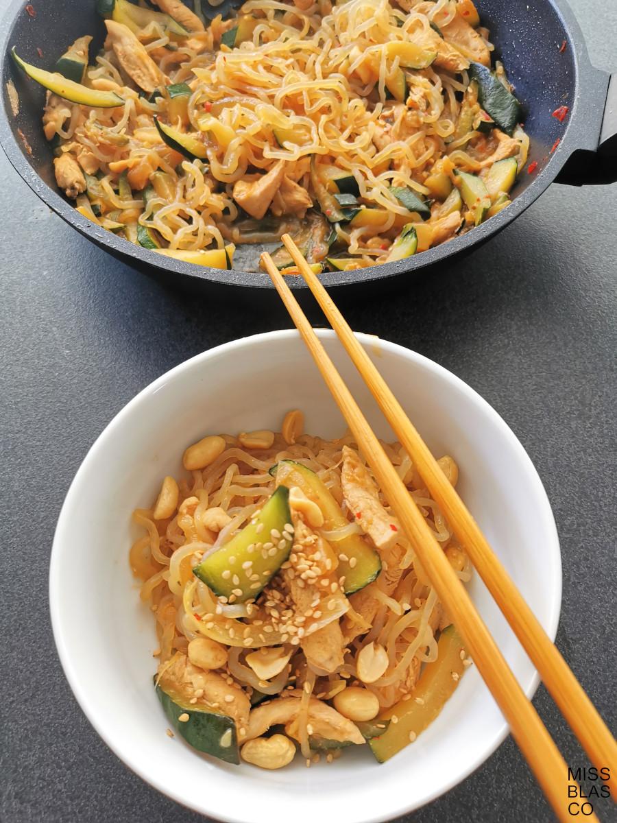 konjac spaghetti in a bowl